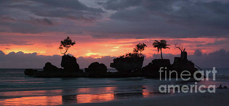 Willy's Rock at Sunset by John Janicki