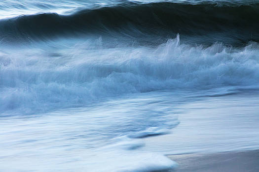 Wind and Waves by Susan Schmidt