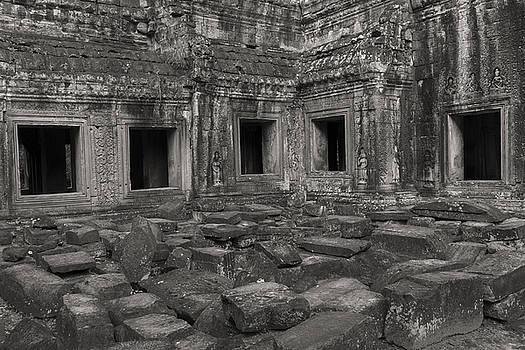 Windows of the past by Hitendra SINKAR