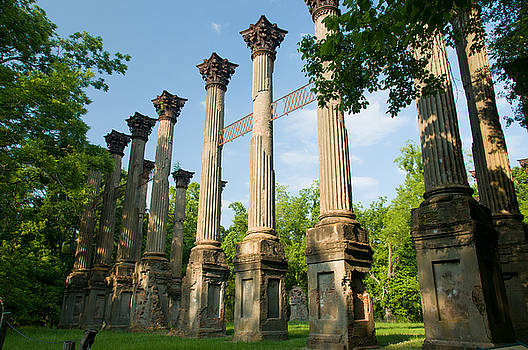 Windsor Ruins by Tony DellOrfano