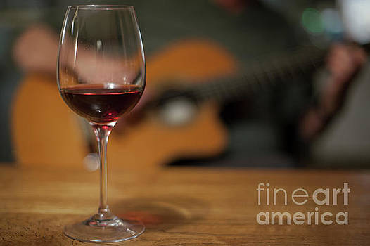 Wine and music by Patricia Hofmeester