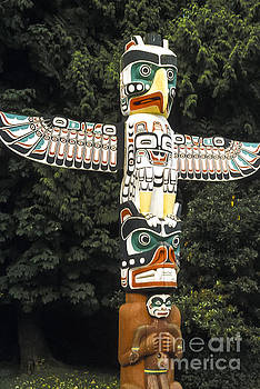 Bob Phillips - Winged Totem
