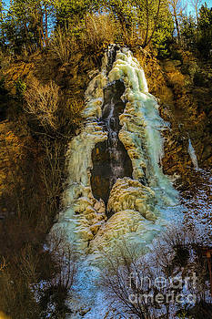 Jon Burch Photography - Winter at Bridal Veil Falls
