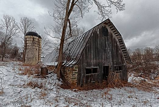 Winter Barn  by Scott Fracasso