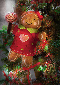 Mike Savad - Winter - Christmas - Little Miss Sunshine