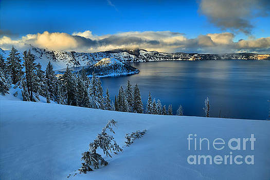 Adam Jewell - Winter Evening At Crater Lake