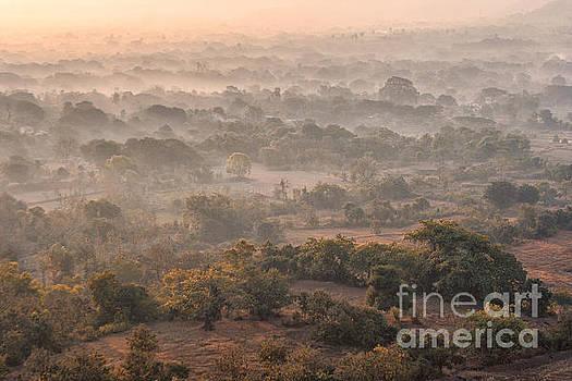 Winter morning by Hitendra SINKAR