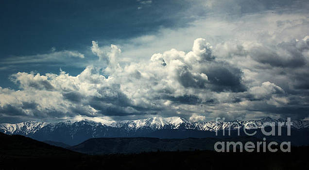 Winter mountain by Dimitar Hristov