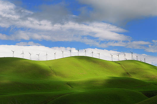 Reimar Gaertner - Winter sun on the rolling green hills of the Altamont Pass wind
