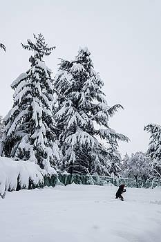 Winter Trekking-2 by Okan YILMAZ