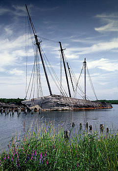Wiscasset Schooners by Fred LeBlanc