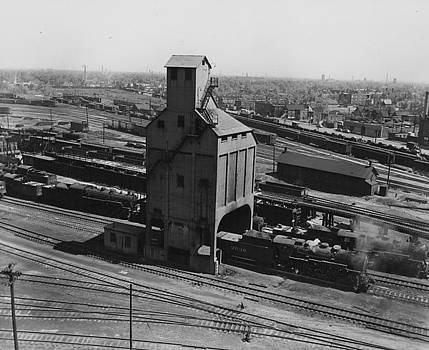 Chicago and North Western Historical Society - Wisconsin Division Coaling Tower at 40th Street - 1948