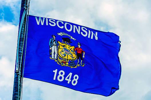 Wisconsin Flag by Lonnie Paulson