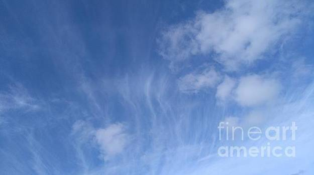 Wispy Sky by Mike O'Hagan