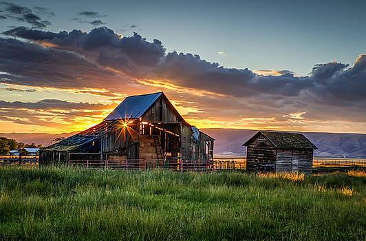 Wolff Barn by Brad Stinson
