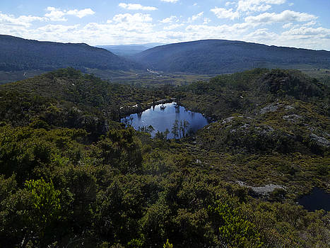 Wombat Tarn Cradle mountain by Sarah King