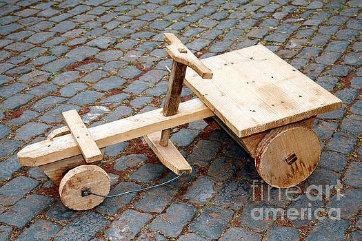 Gaspar Avila - Wooden toy car