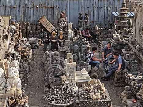 Chris Honeyman - Workers at a sculpture dealer, Beijing 2011