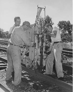 Chicago and North Western Historical Society - Working on the Rails