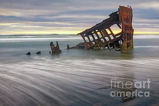 Wreck of Peter Iredale by Jerry Fornarotto