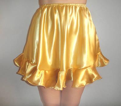 Sofia Metal Queen - yellow golden satin mini skirt. Ameynra for teens
