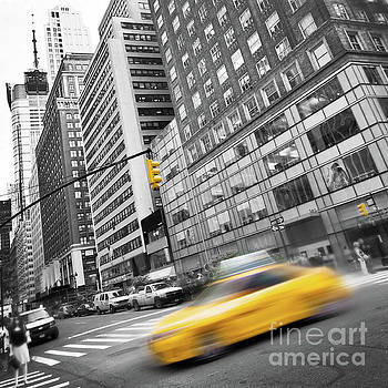 Delphimages Photo Creations - Yellow taxi NYC