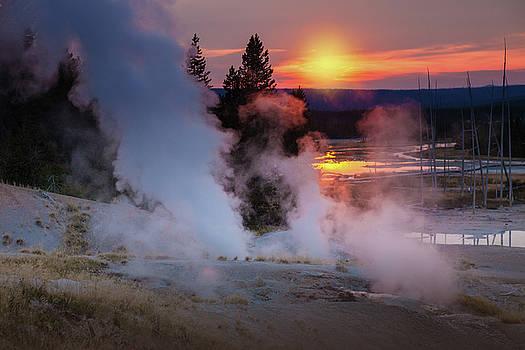 Cliff Wassmann - Yellowstone Sunset