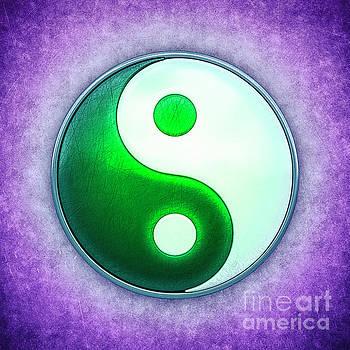 Yin Yang - Labradorite Green by Dirk Czarnota