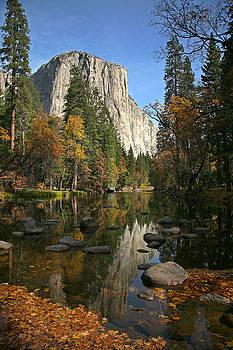 Yosemite Fall by Greg Iger