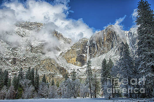 Wayne Moran - Yosemite Falls Winter Beauty Yosemite National Park