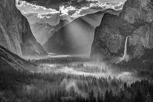 Yosemite Morning Sun Rays by Jeff Sullivan