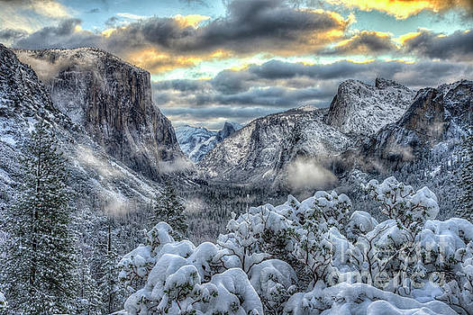Wayne Moran - Yosemite National Park Tunnel View Winter Beauty