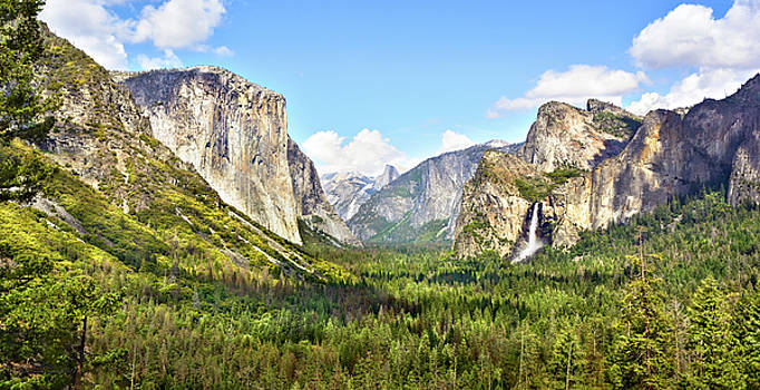 Yosemite Tunnel View Afternoon by Brian Tada
