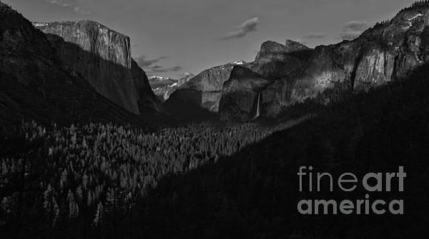Adam Jewell - Yosemite Tunnel View Black And White