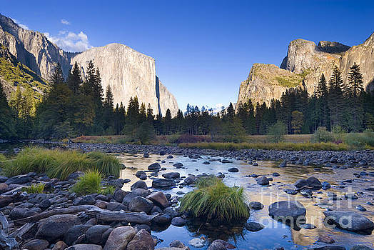 Yosemite Valley by Justin Foulkes