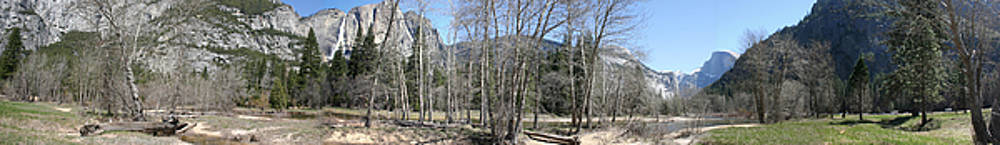 Yosemite Valley Panorama by Travis Day