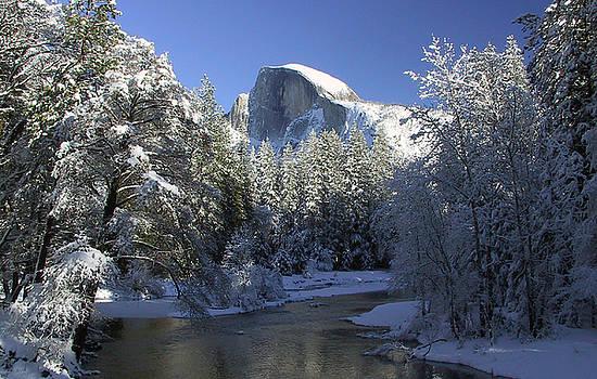 Yosemite Winter by Tom Kidd