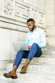 Alexander Image - Young African American graduate student with beard studying in New York 17052123