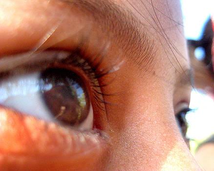 Maria Fernanda - Young Eyes