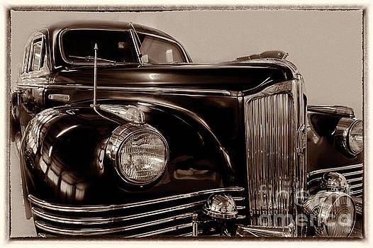Vintage Zil by Vyacheslav Isaev
