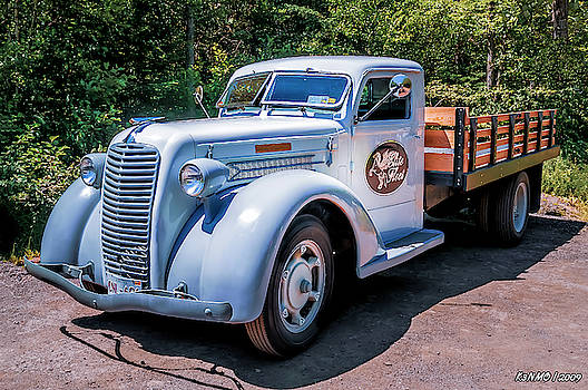 1938 Diamond T stakebed truck by Ken Morris