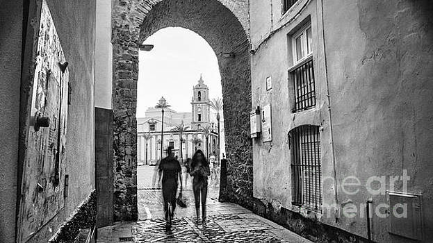 Arch of the Rose Cadiz Spain by Pablo Avanzini
