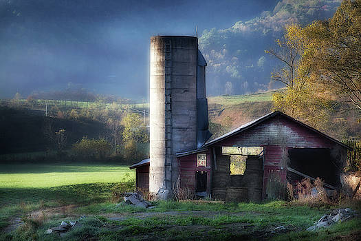 Barn In Autumn Smoky Mountains by David Chasey