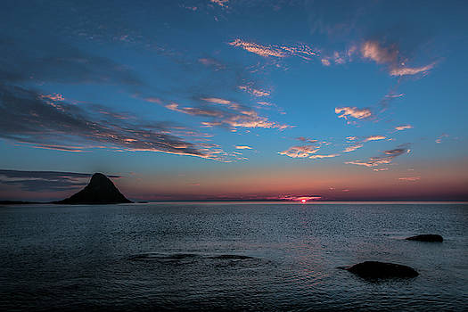 Blue sky by Frank Olsen