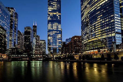 Chicago river dusk scene by Sven Brogren