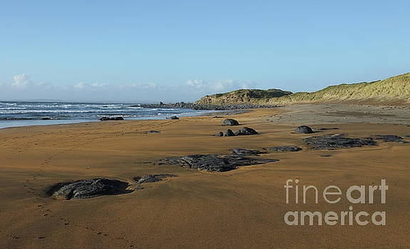 Fanore beach by Peter Skelton
