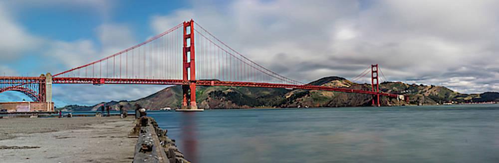 Julieta Belmont - Golden Gate Bridge
