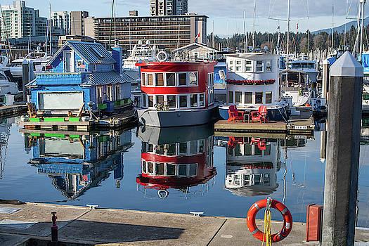 Ross G Strachan - Houseboats