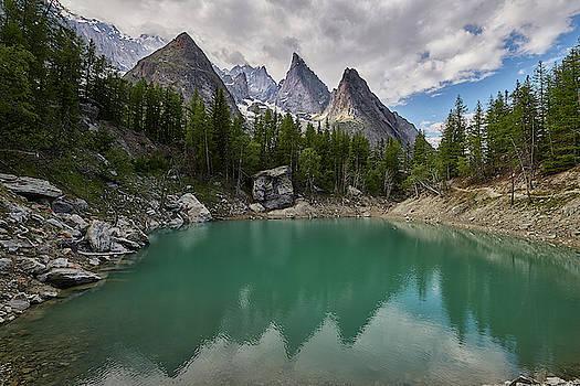 Jon Glaser - Lake Verde in the Alps
