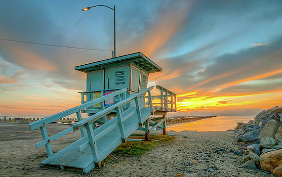 Lifeguard Tower Sunrise San Pedro California by R Scott Duncan